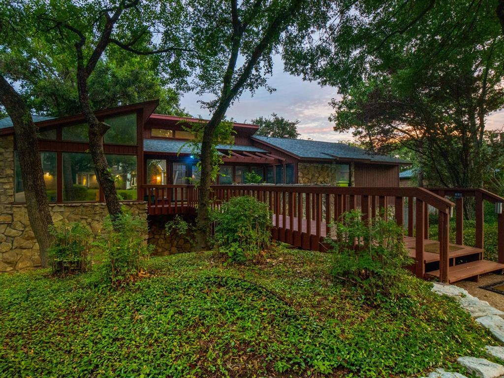 505 Oak Hollow  Lane, Fort Worth, Texas 76112 - Acquisto Real Estate best frisco realtor Amy Gasperini 1031 exchange expert