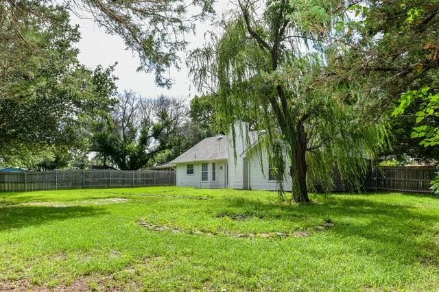 1304 Azalea  Lane, Waxahachie, Texas 75165 - acquisto real estate best realtor foreclosure real estate mike shepeherd walnut grove realtor