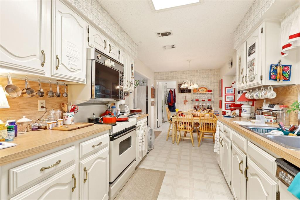 2522 Rosebud  Court, Carrollton, Texas 75006 - acquisto real estate best listing listing agent in texas shana acquisto rich person realtor