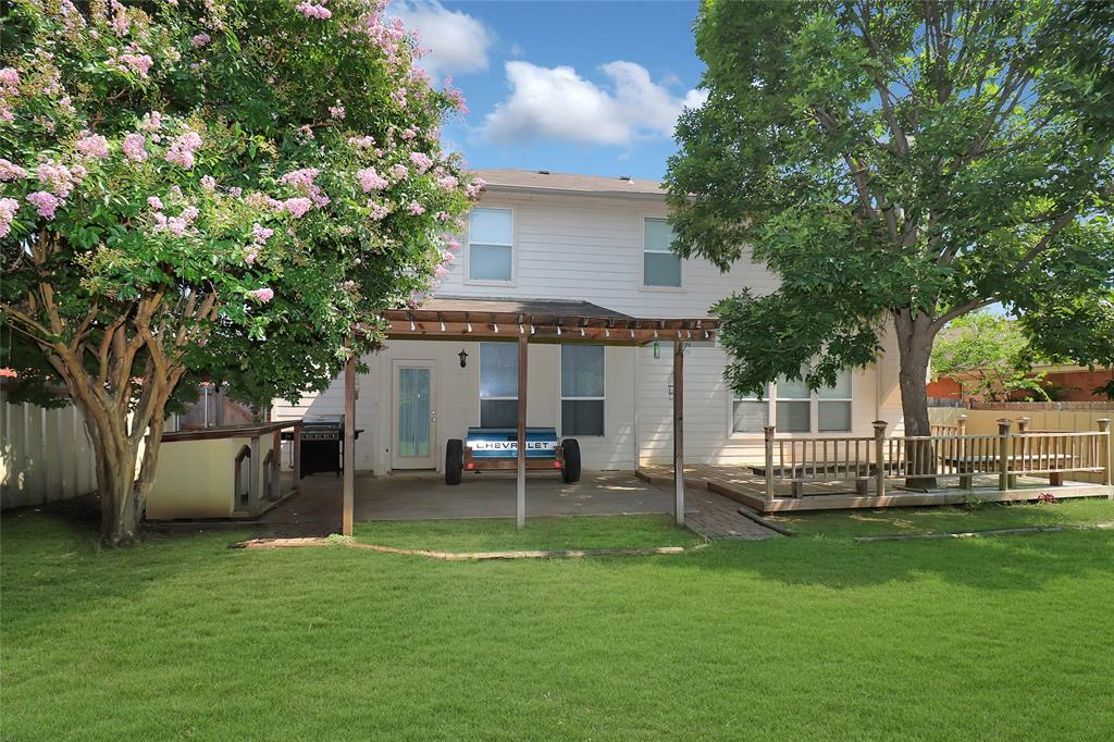 2208 Eden Green  Drive, Arlington, Texas 76001 - acquisto real estate best listing photos hannah ewing mckinney real estate expert