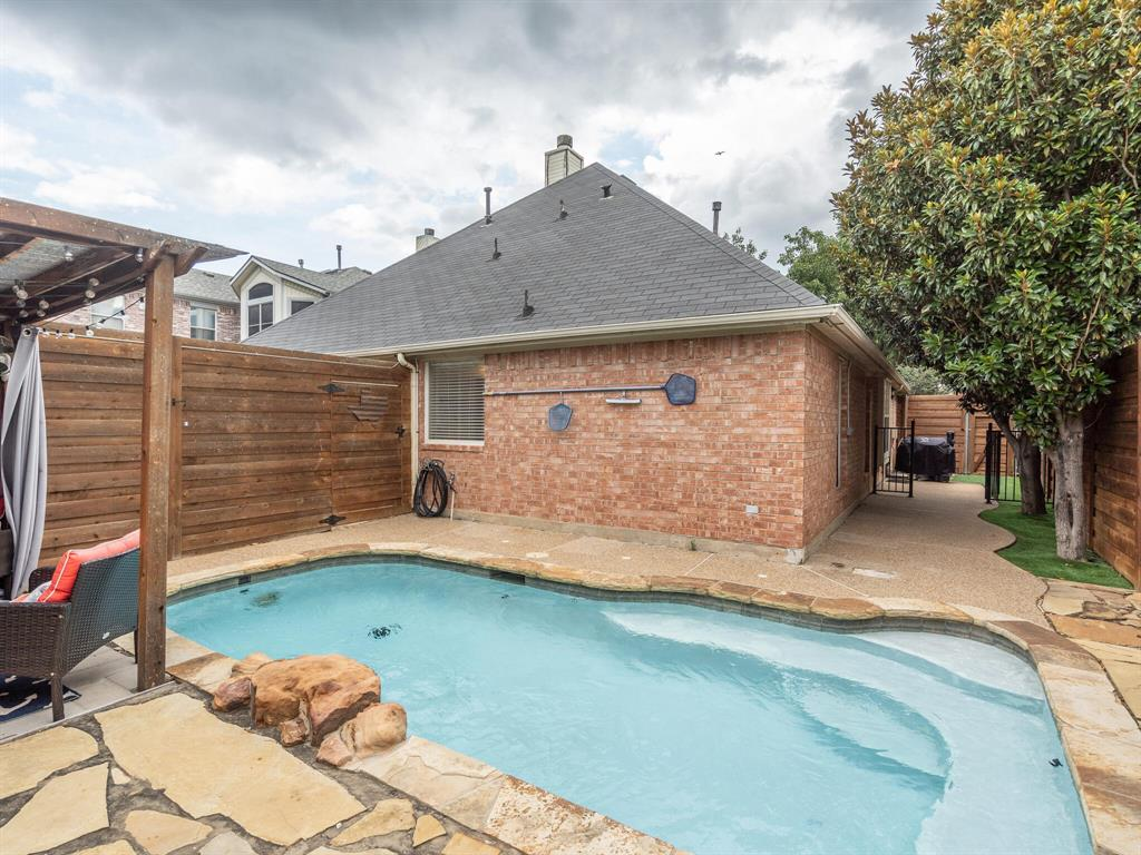 1854 Crosshaven  Drive, Lewisville, Texas 75077 - acquisto real estate best listing agent in the nation shana acquisto estate realtor