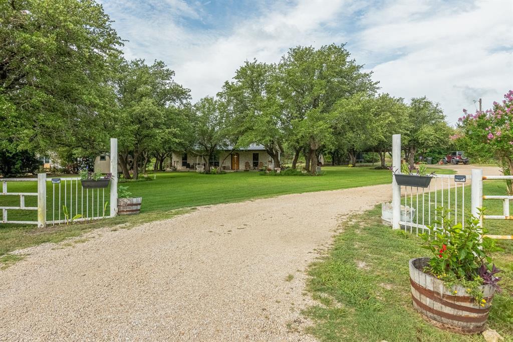 124 Ridgeview  Drive, Azle, Texas 76020 - Acquisto Real Estate best frisco realtor Amy Gasperini 1031 exchange expert