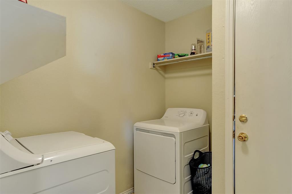 1113 Mallard  Drive, Sherman, Texas 75092 - acquisto real estate best realtor dfw jody daley liberty high school realtor