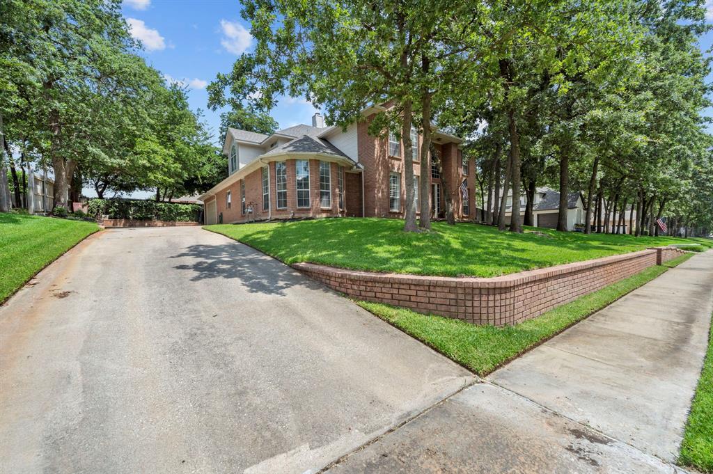 8324 Thorncrest  Court, North Richland Hills, Texas 76182 - acquisto real estate best luxury home specialist shana acquisto