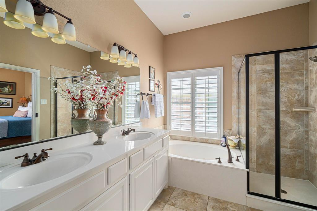 940 Crestmoor  Drive, Allen, Texas 75013 - acquisto real estate best photos for luxury listings amy gasperini quick sale real estate
