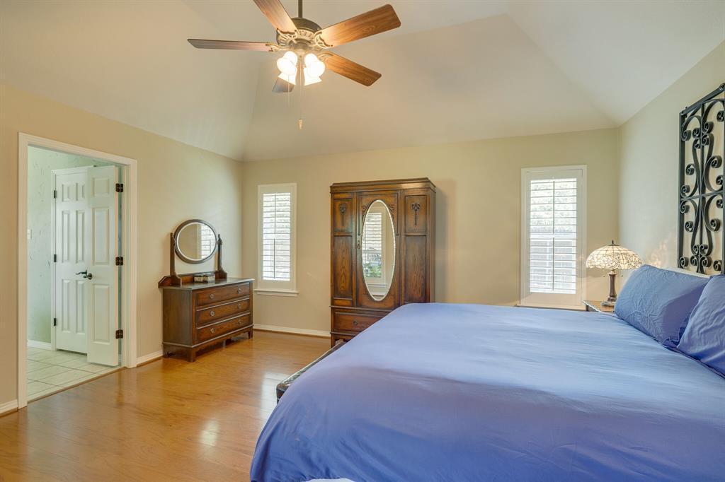 2701 Cedar Springs  Court, Bedford, Texas 76021 - acquisto real estate best realtor foreclosure real estate mike shepeherd walnut grove realtor