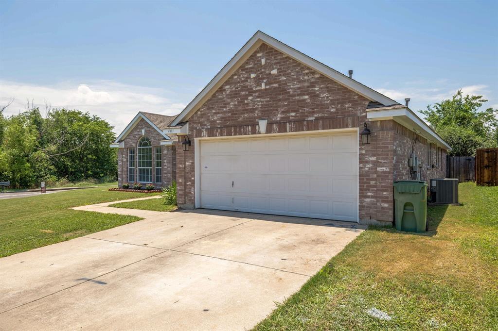 401 Watertown  Lane, Arlington, Texas 76002 - acquisto real estate best allen realtor kim miller hunters creek expert