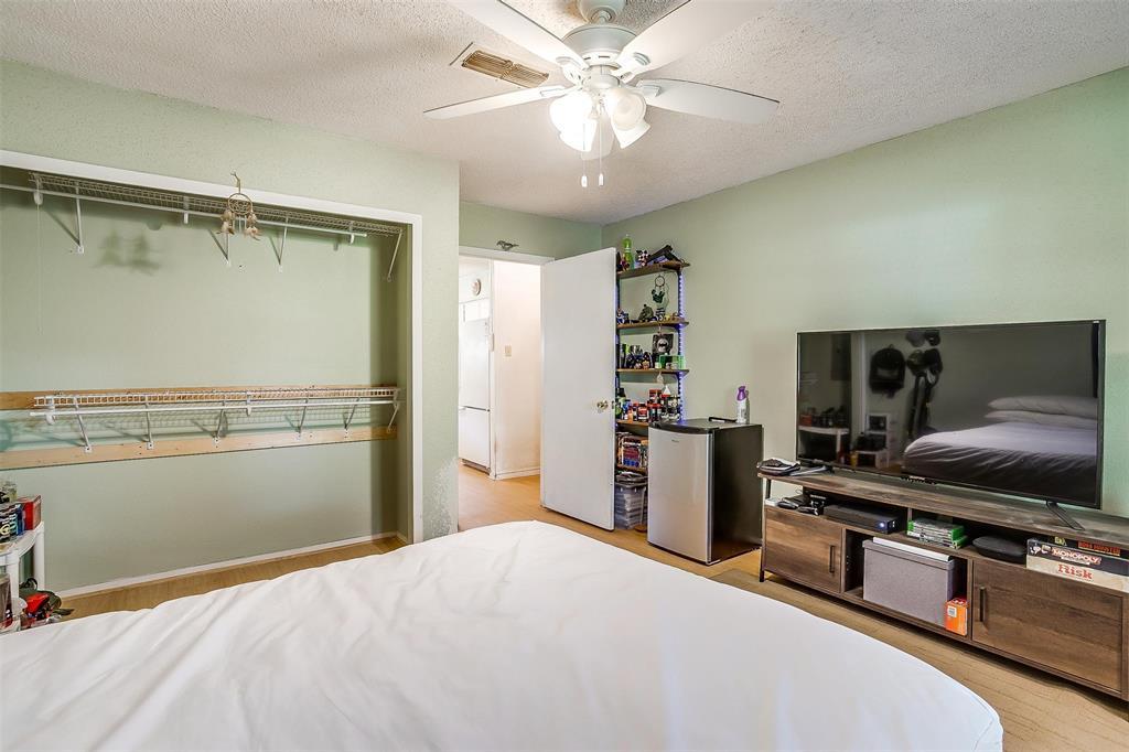 1010 Yvonne  Drive, Joshua, Texas 76058 - acquisto real estate best luxury home specialist shana acquisto