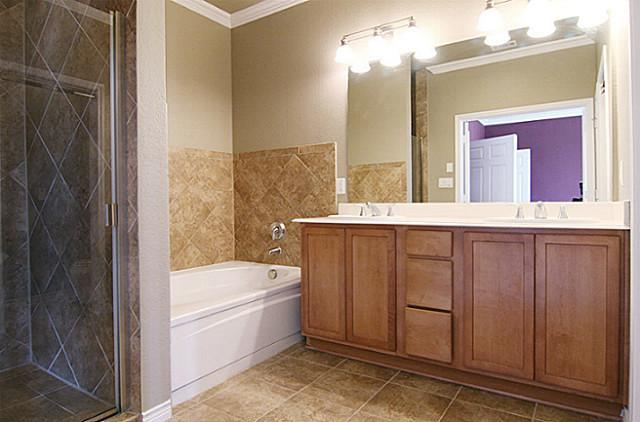 2014 Azure Pointe  Richardson, Texas 75080 - acquisto real estate best real estate company to work for