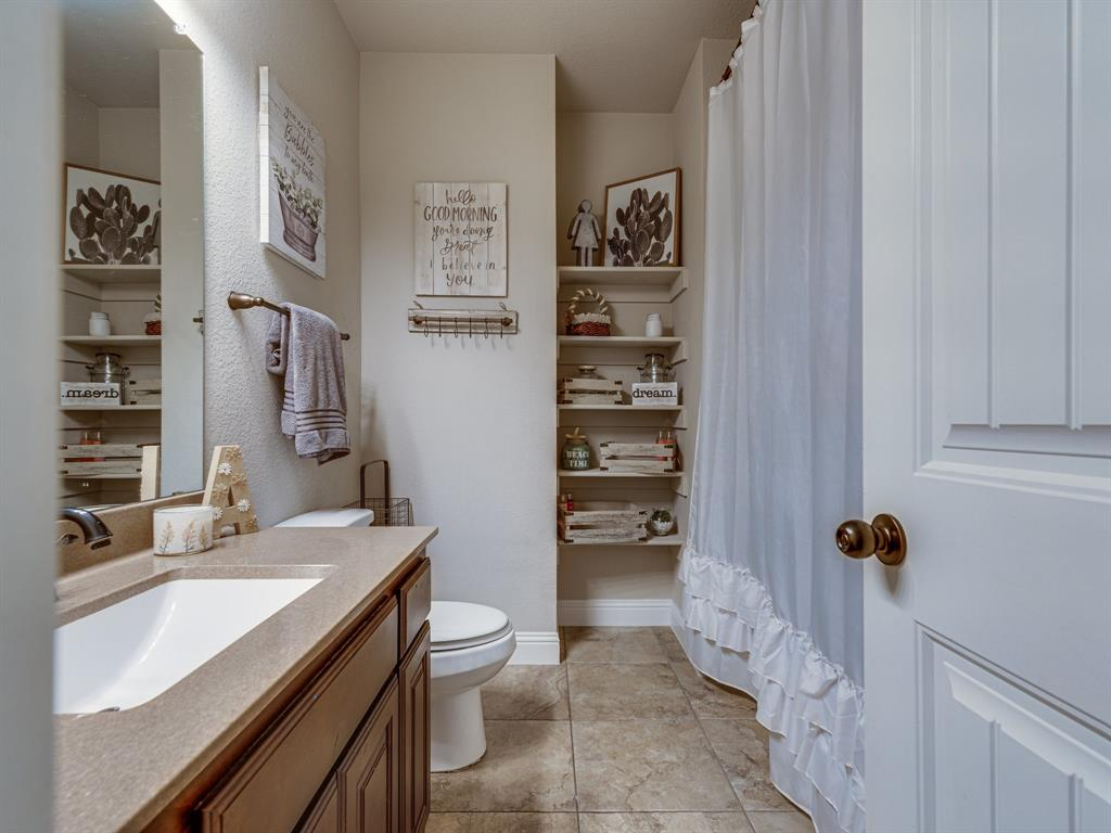 409 Hillstone  Drive, Midlothian, Texas 76065 - acquisto real estate best photos for luxury listings amy gasperini quick sale real estate