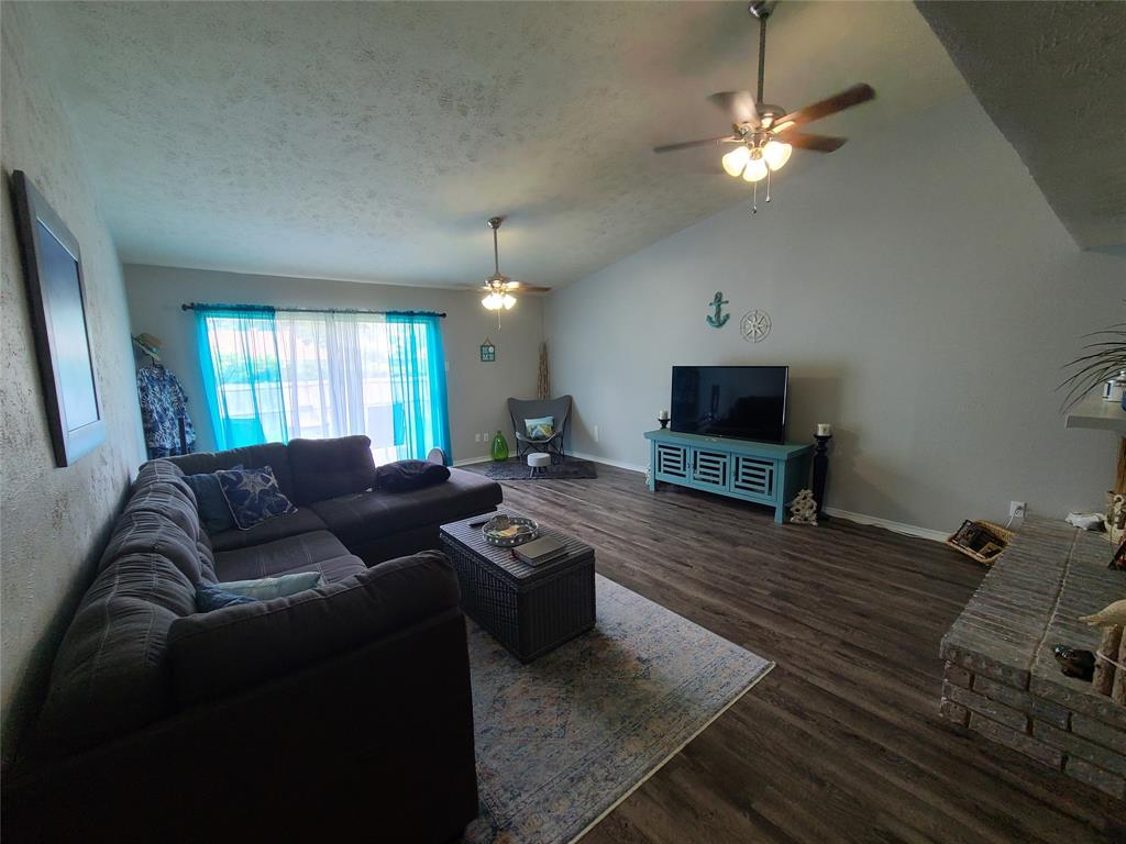 3912 Villa Downs  Drive, Plano, Texas 75023 - acquisto real estate best prosper realtor susan cancemi windfarms realtor