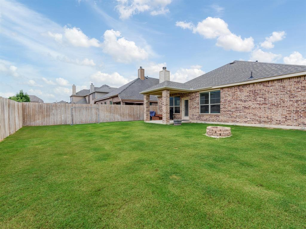 929 Viburnum  Drive, Fort Worth, Texas 76131 - acquisto real estate best frisco real estate agent amy gasperini panther creek realtor