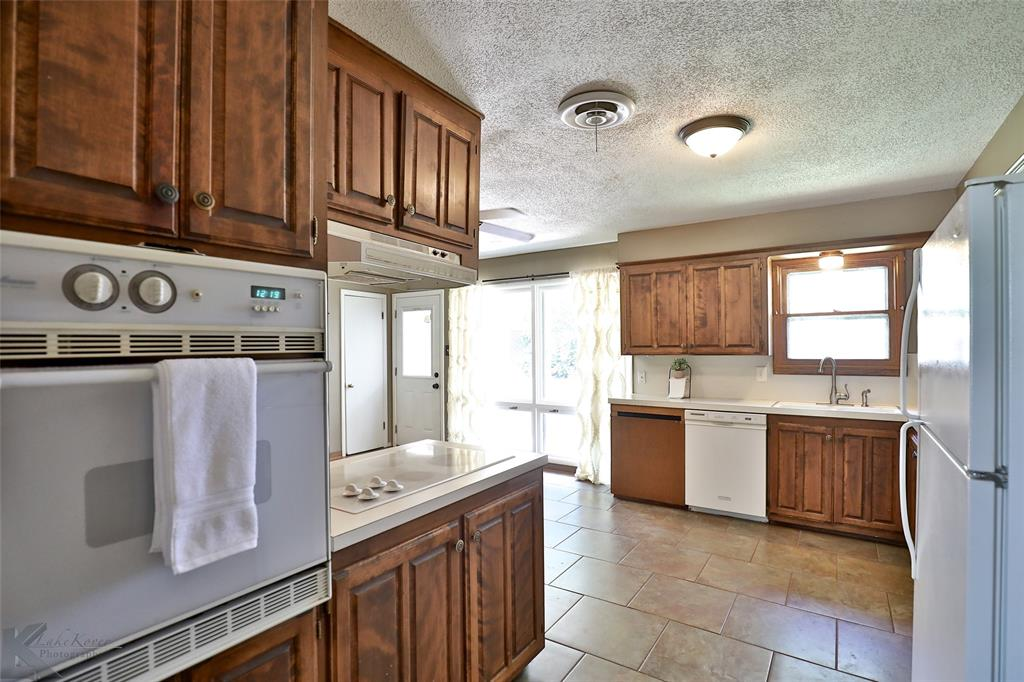 1402 Glenhaven  Drive, Abilene, Texas 79603 - acquisto real estate best real estate company to work for