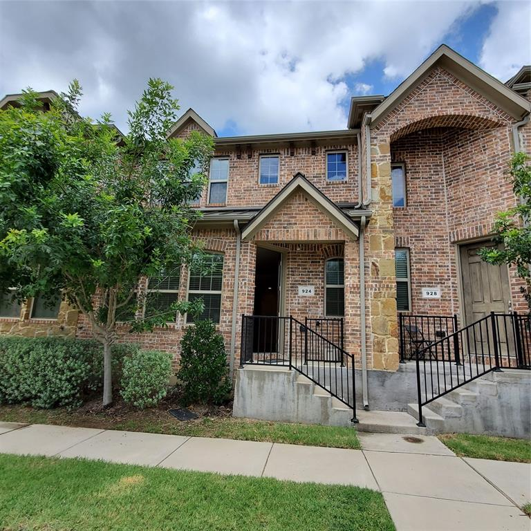 924 Grace  Lane, Lewisville, Texas 75056 - acquisto real estate best the colony realtor linda miller the bridges real estate