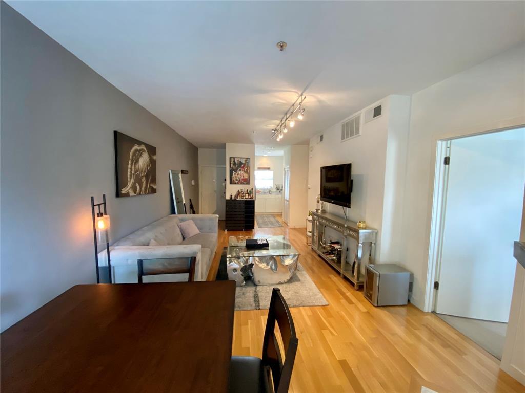 4111 Cole  Avenue, Dallas, Texas 75204 - acquisto real estate best allen realtor kim miller hunters creek expert