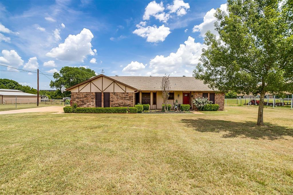 4808 Looney  Lane, Cleburne, Texas 76031 - Acquisto Real Estate best frisco realtor Amy Gasperini 1031 exchange expert