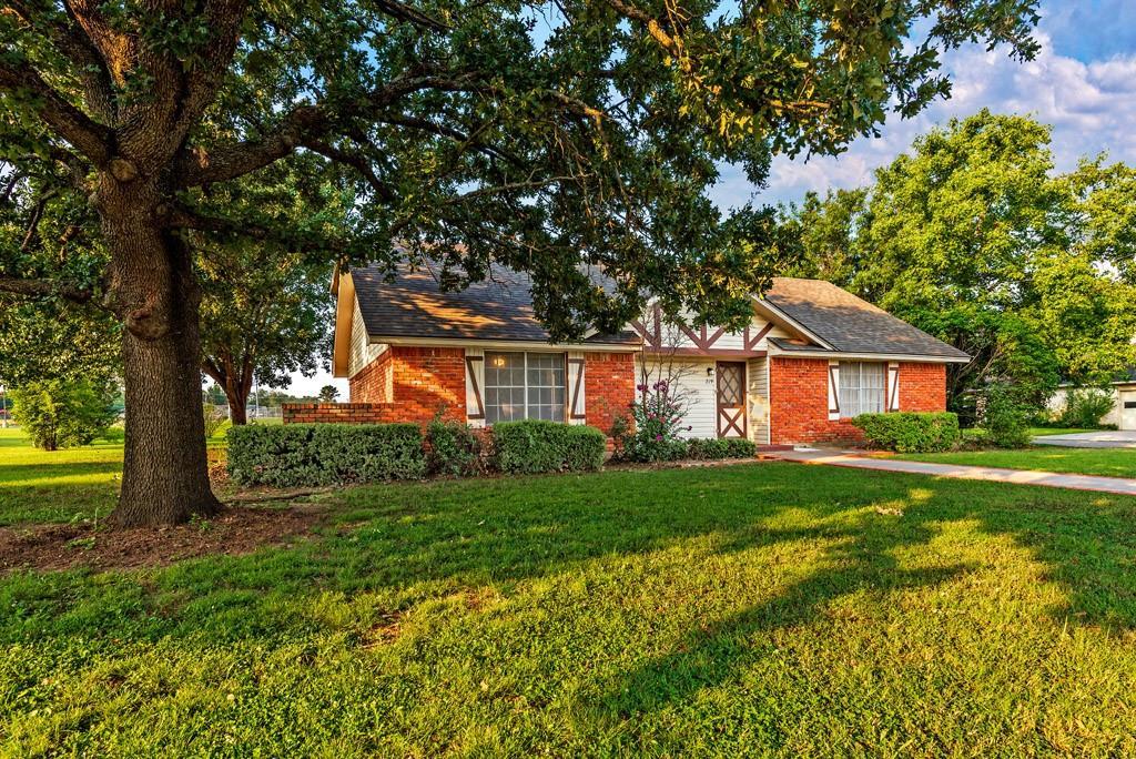 219 Texoma  Drive, Whitesboro, Texas 76273 - Acquisto Real Estate best frisco realtor Amy Gasperini 1031 exchange expert