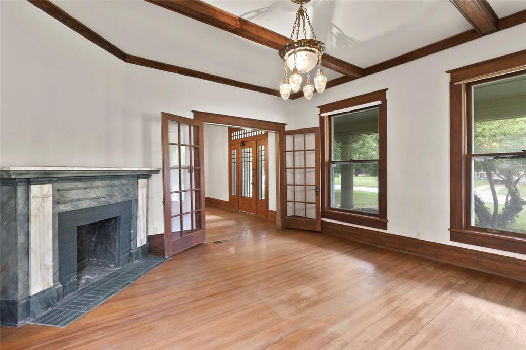 803 Nash  Street, Terrell, Texas 75160 - acquisto real estate best luxury buyers agent in texas shana acquisto inheritance realtor