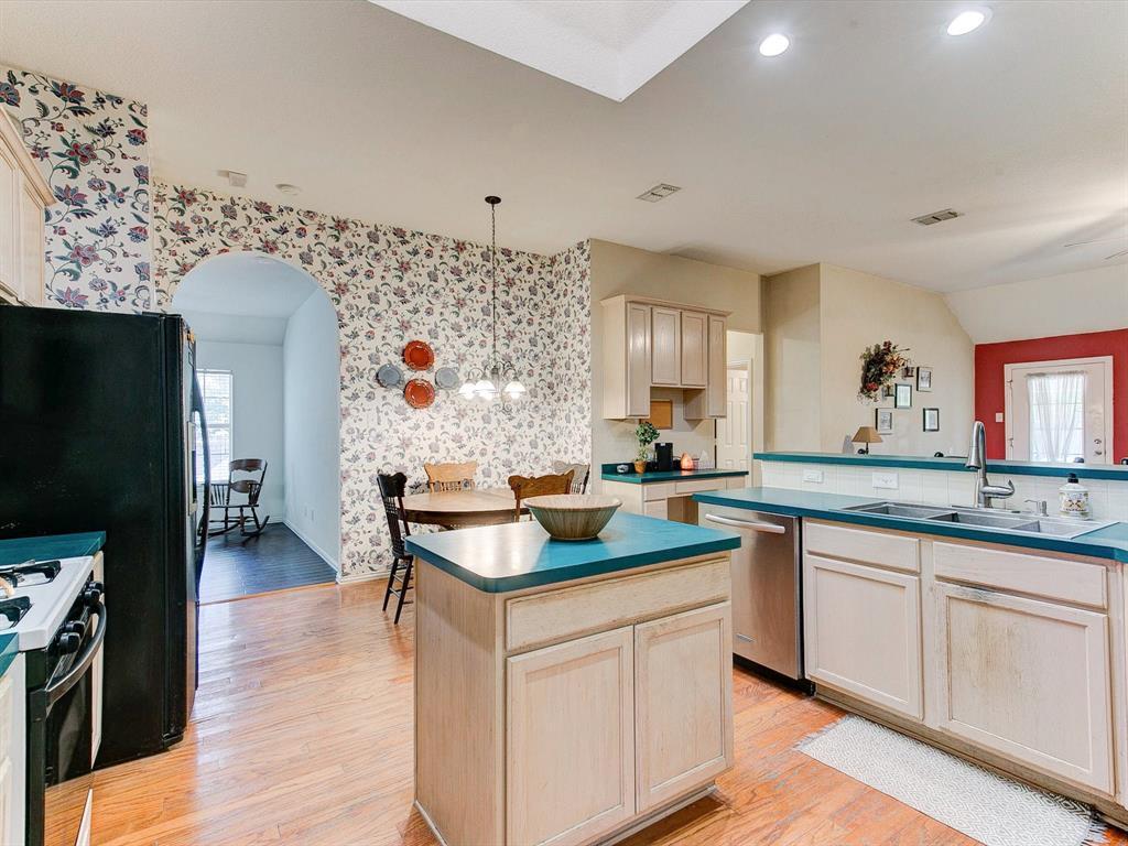 2830 Oakdale  Drive, Burleson, Texas 76028 - acquisto real estate best highland park realtor amy gasperini fast real estate service