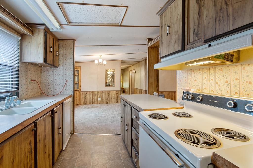 7400 Paluxy  Highway, Tolar, Texas 76476 - acquisto real estate best negotiating realtor linda miller declutter realtor