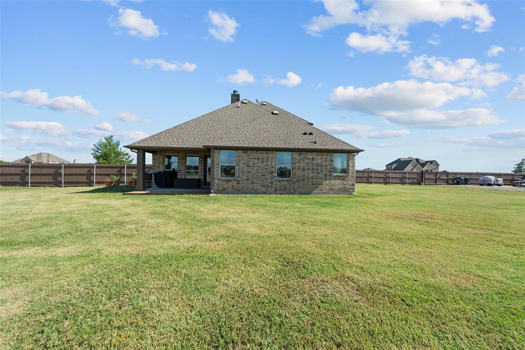 306 The Trails  Drive, Blue Ridge, Texas 75424 - acquisto real estate best negotiating realtor linda miller declutter realtor