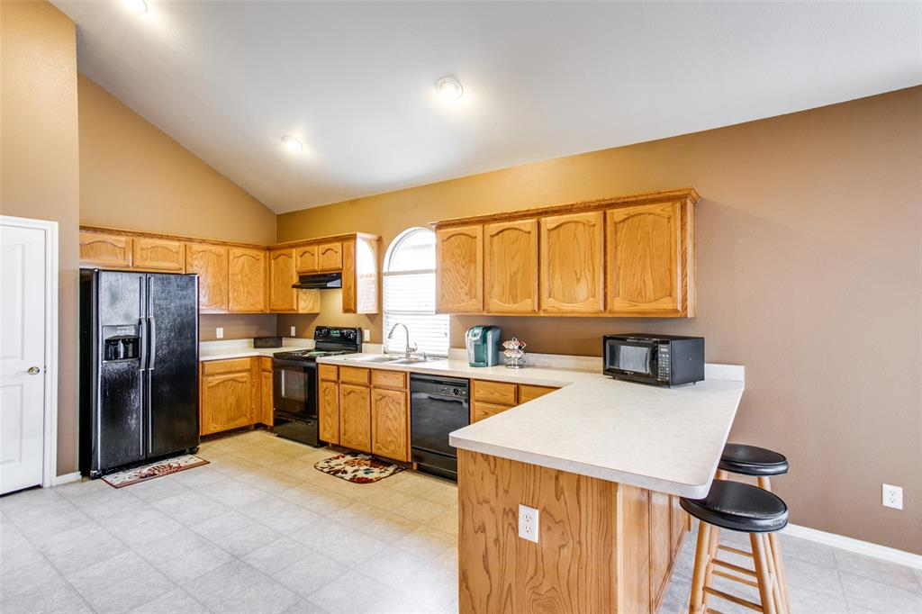 10628 Ashmore  Drive, Fort Worth, Texas 76131 - acquisto real estate best celina realtor logan lawrence best dressed realtor