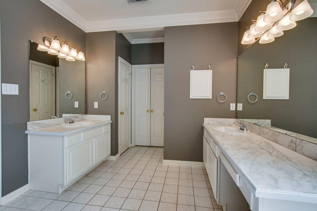 2308 Balleybrooke  Drive, Lewisville, Texas 75077 - acquisto real estate best photos for luxury listings amy gasperini quick sale real estate