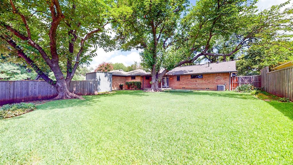 7636 Tophill  Lane, Dallas, Texas 75248 - acquisto real estate mvp award real estate logan lawrence