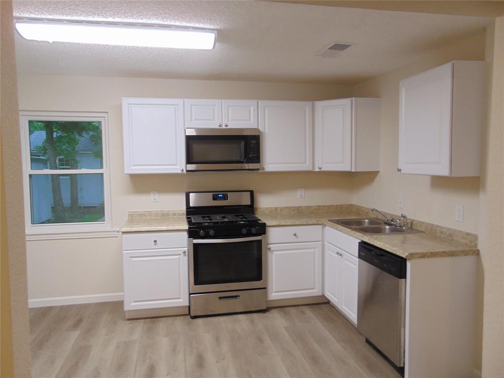718 19th  Street, Grand Prairie, Texas 75050 - acquisto real estate best allen realtor kim miller hunters creek expert