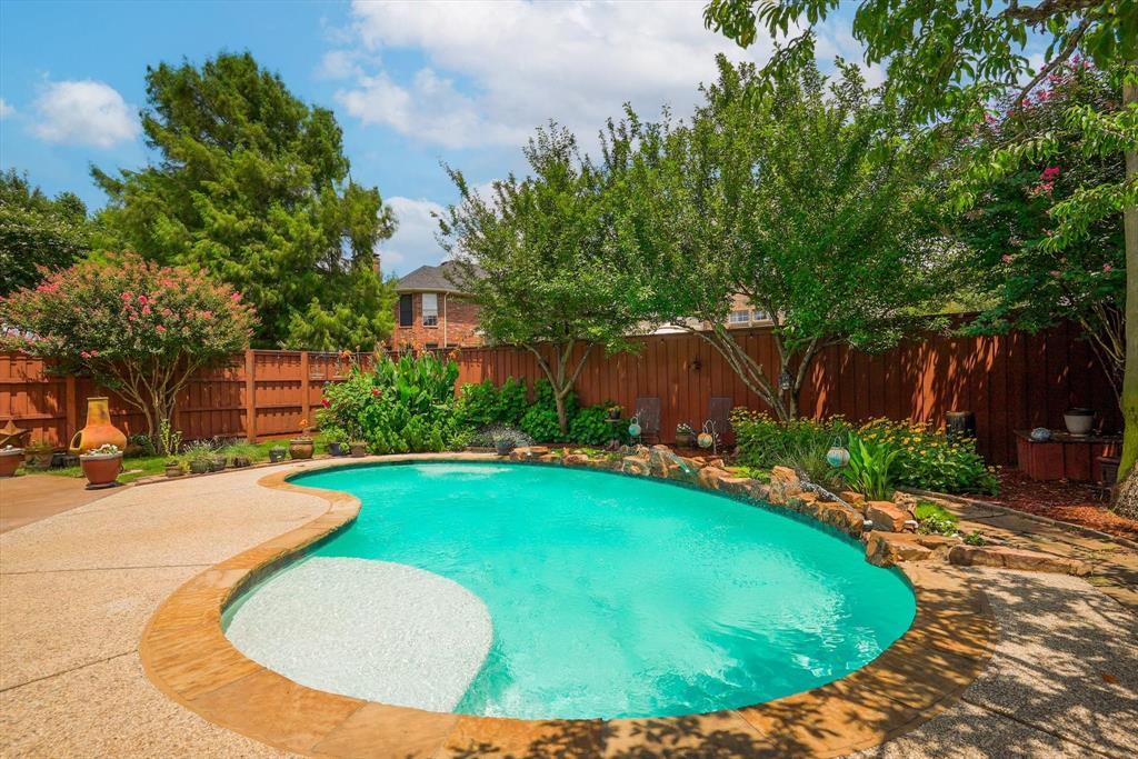 2124 Gisbourne  Drive, Flower Mound, Texas 75028 - acquisto real estate best park cities realtor kim miller best staging agent