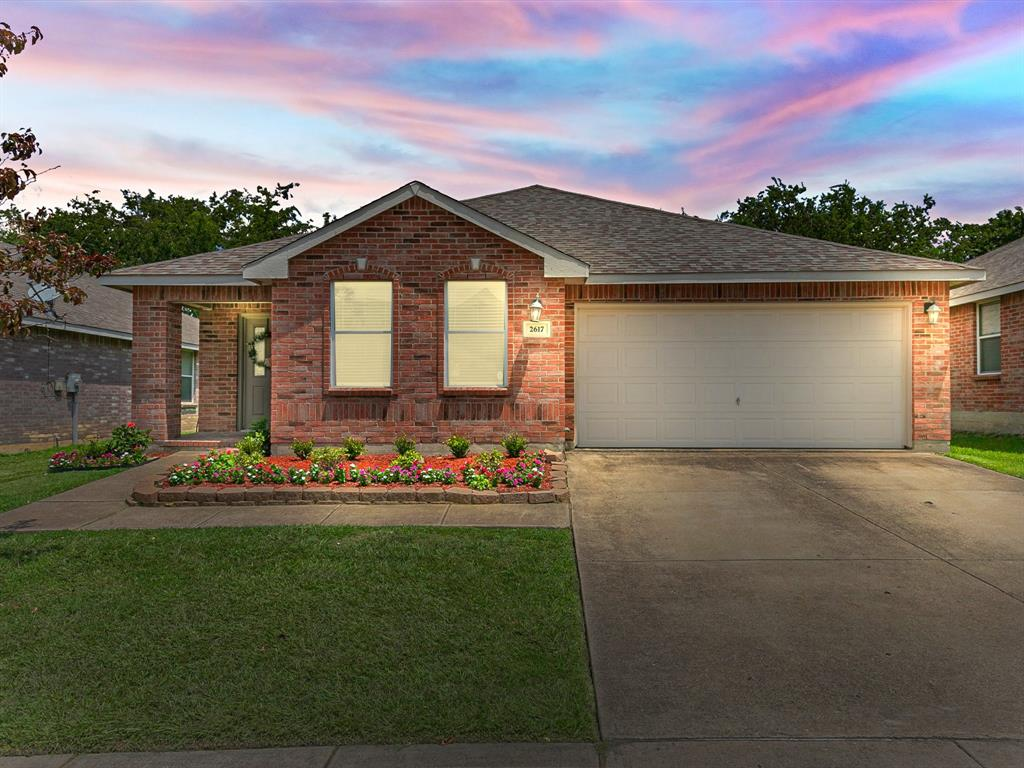2617 Tuscan View  Drive, Fort Worth, Texas 76131 - Acquisto Real Estate best frisco realtor Amy Gasperini 1031 exchange expert