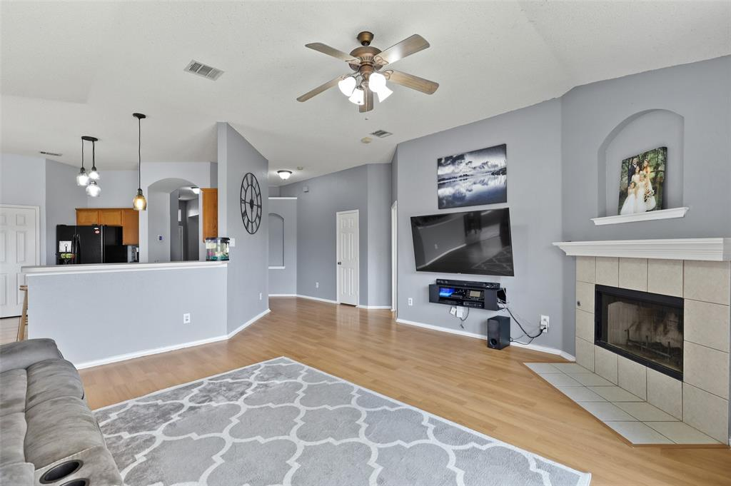 5601 Seafield  Lane, Fort Worth, Texas 76135 - acquisto real estate best real estate company in frisco texas real estate showings