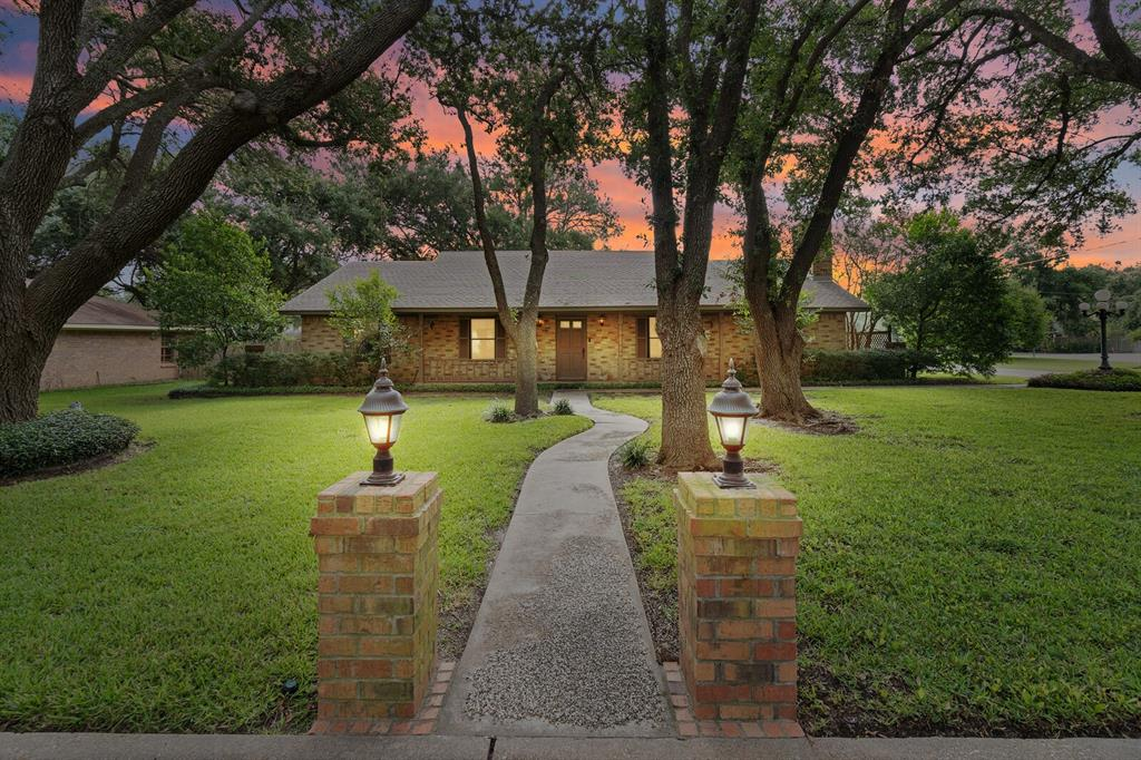 10 Circle Drive  Teague, Texas 75860 - Acquisto Real Estate best frisco realtor Amy Gasperini 1031 exchange expert