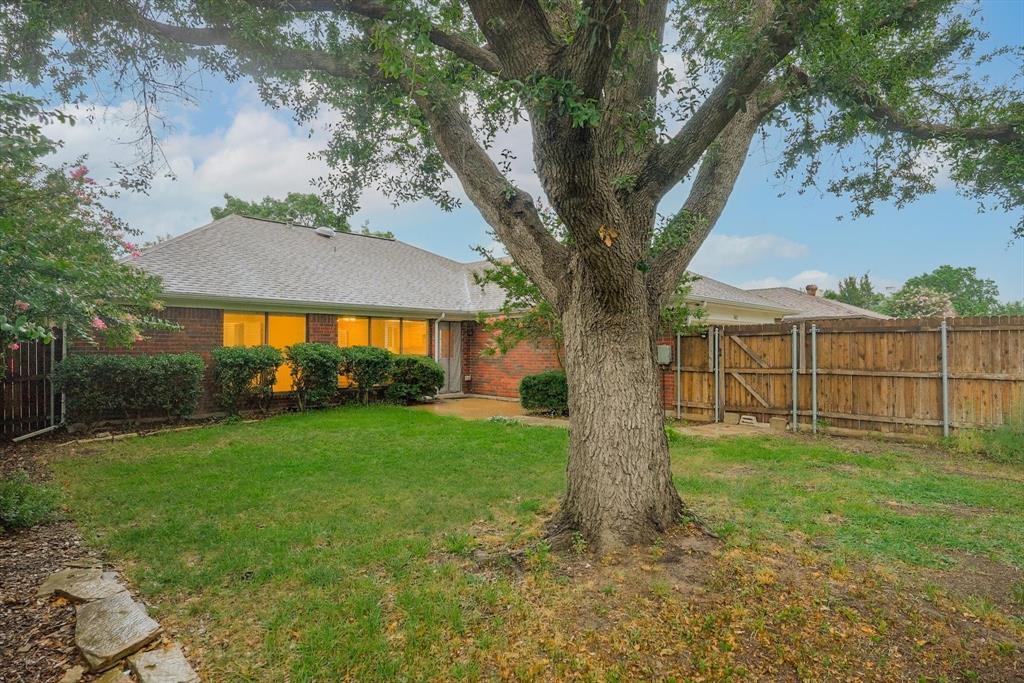 1662 Crosshaven  Drive, Lewisville, Texas 75077 - acquisto real estate best relocation company in america katy mcgillen