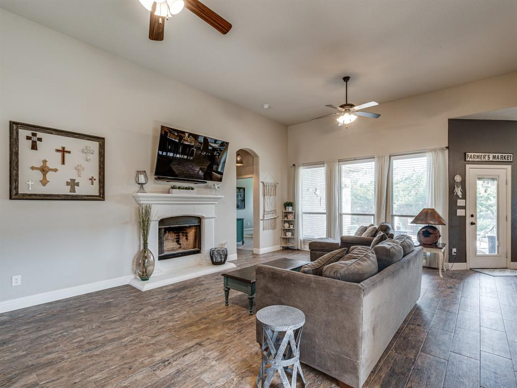 409 Hillstone  Drive, Midlothian, Texas 76065 - acquisto real estate best realtor dallas texas linda miller agent for cultural buyers