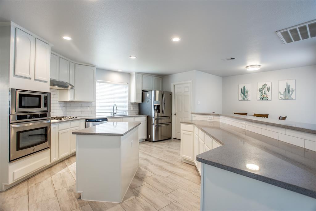 8400 Beartooth  Drive, Frisco, Texas 75036 - acquisto real estate best new home sales realtor linda miller executor real estate