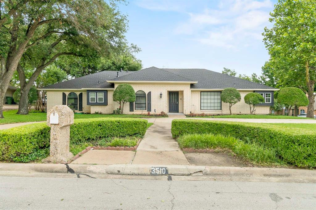 3510 Luther  Lane, Garland, Texas 75043 - Acquisto Real Estate best plano realtor mike Shepherd home owners association expert