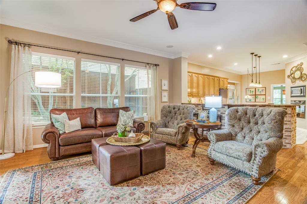 1732 Glenlivet  Drive, Dallas, Texas 75218 - acquisto real estate best photos for luxury listings amy gasperini quick sale real estate