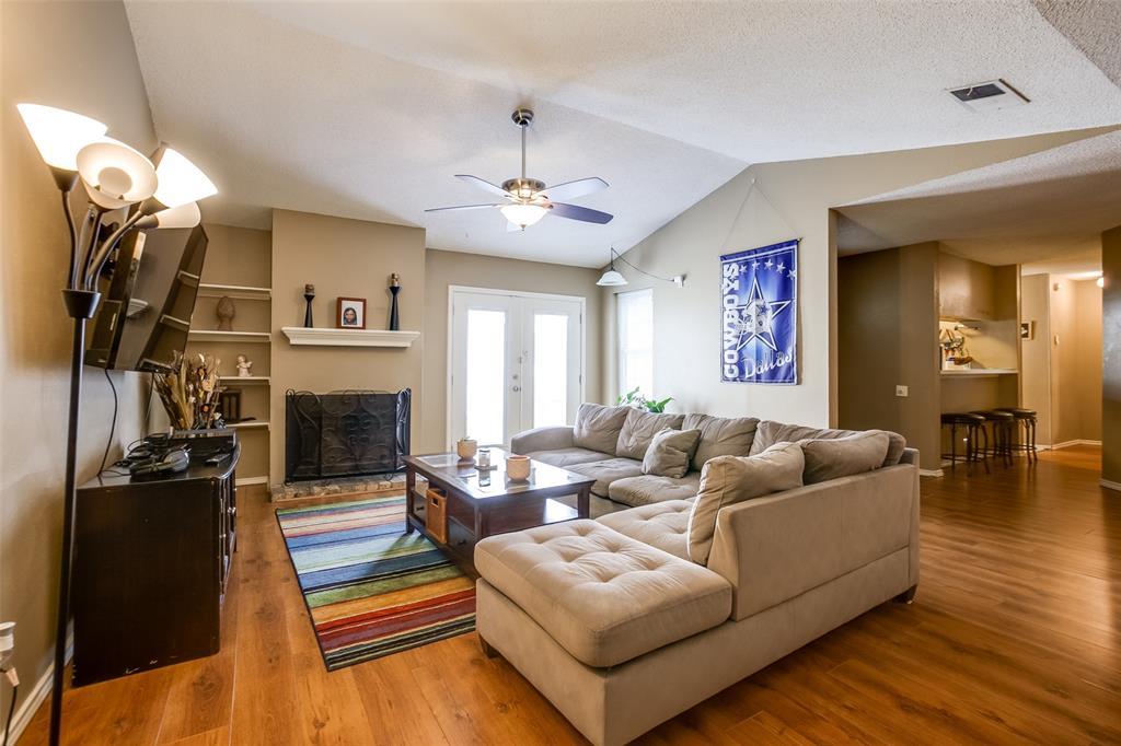 2628 Glenmore  Drive, Mesquite, Texas 75150 - acquisto real estate best celina realtor logan lawrence best dressed realtor