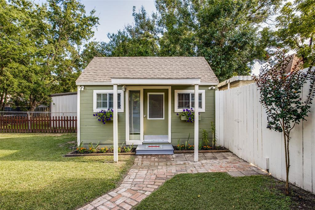 3911 Stonewall  Street, Greenville, Texas 75401 - acquisto real estate best park cities realtor kim miller best staging agent