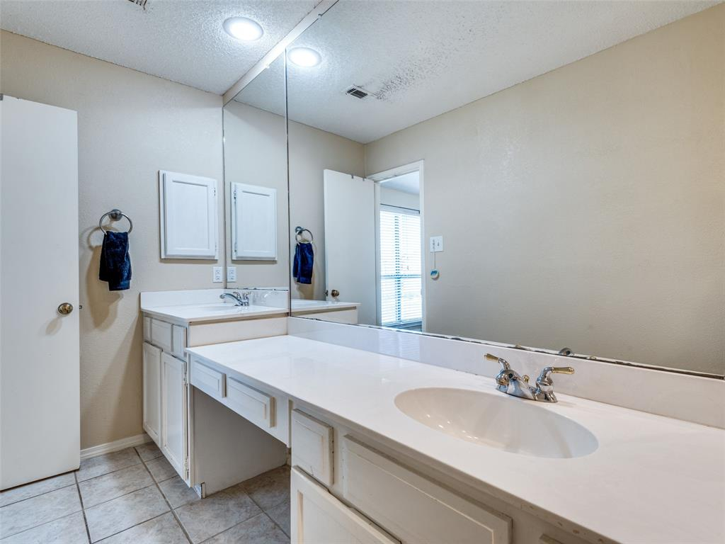 1607 San Francisco  Street, Carrollton, Texas 75007 - acquisto real estate best investor home specialist mike shepherd relocation expert