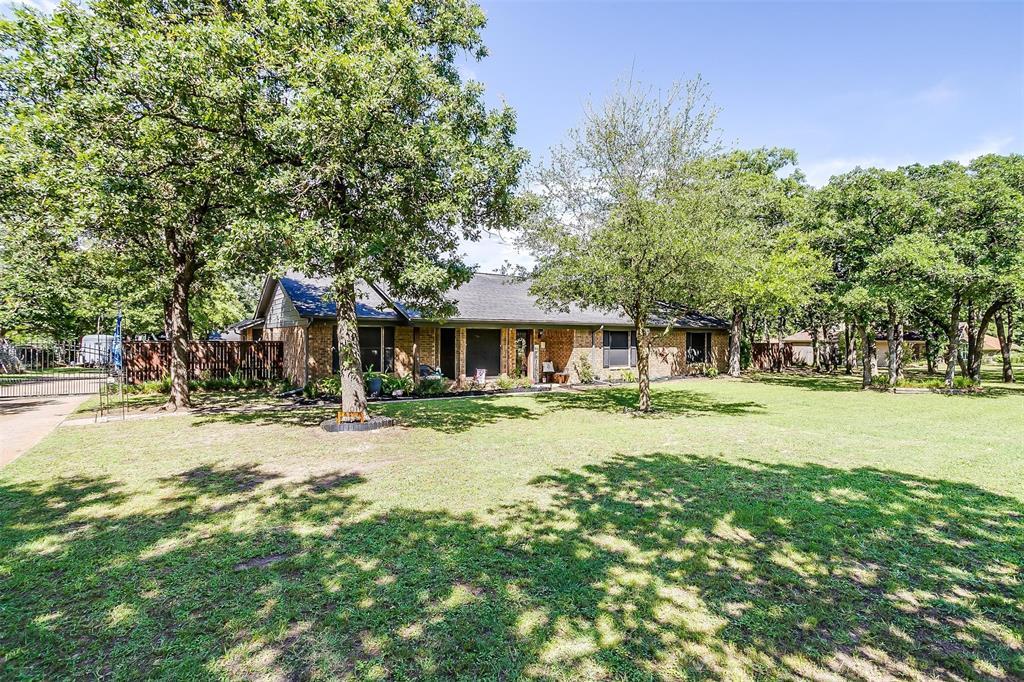 1010 Yvonne  Drive, Joshua, Texas 76058 - acquisto real estate best allen realtor kim miller hunters creek expert