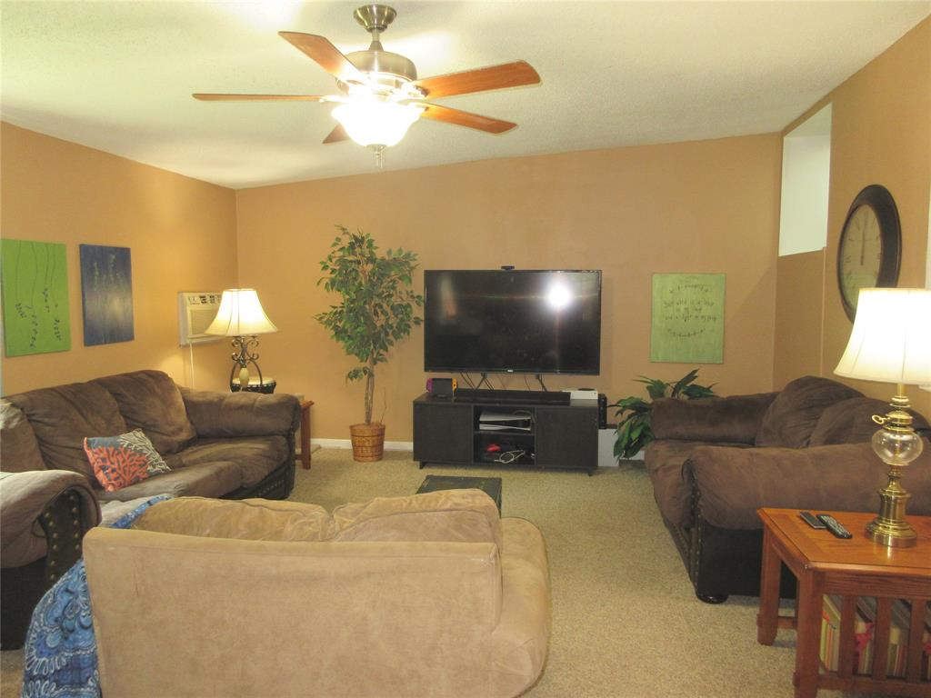 3828 London  Lane, Richland Hills, Texas 76118 - acquisto real estate best style realtor kim miller best real estate reviews dfw