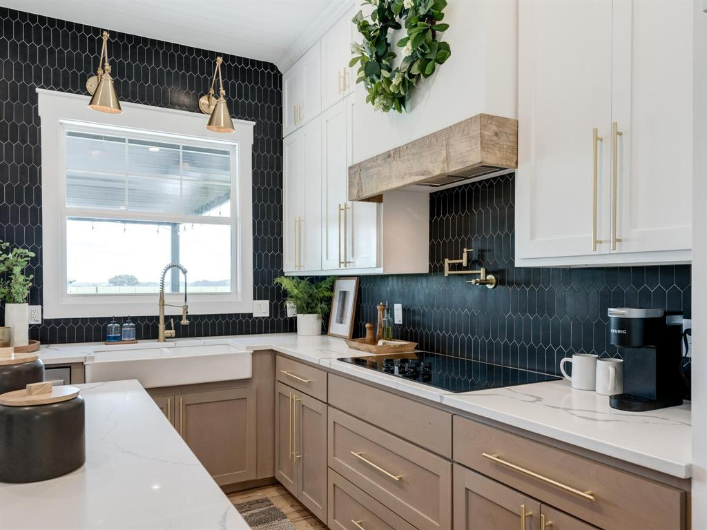 901 Debbie  Lane, Pilot Point, Texas 76258 - acquisto real estate best photos for luxury listings amy gasperini quick sale real estate