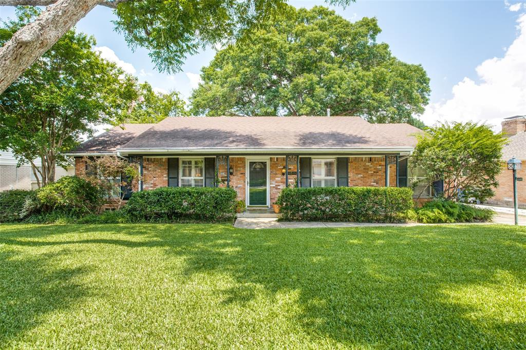 6245 Woodcrest  Lane, Dallas, Texas 75214 - Acquisto Real Estate best plano realtor mike Shepherd home owners association expert