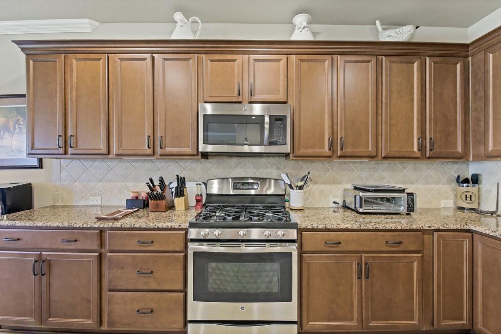 11901 Glenbrook  Street, Denton, Texas 76207 - acquisto real estate best realtor foreclosure real estate mike shepeherd walnut grove realtor
