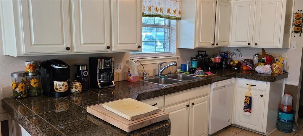 6912 Stewarts Oaks  Court, Granbury, Texas 76049 - acquisto real estate best celina realtor logan lawrence best dressed realtor