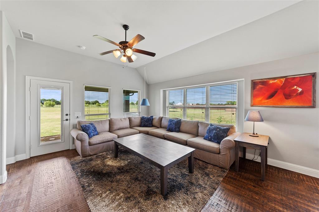 306 The Trails  Drive, Blue Ridge, Texas 75424 - acquisto real estate best luxury buyers agent in texas shana acquisto inheritance realtor