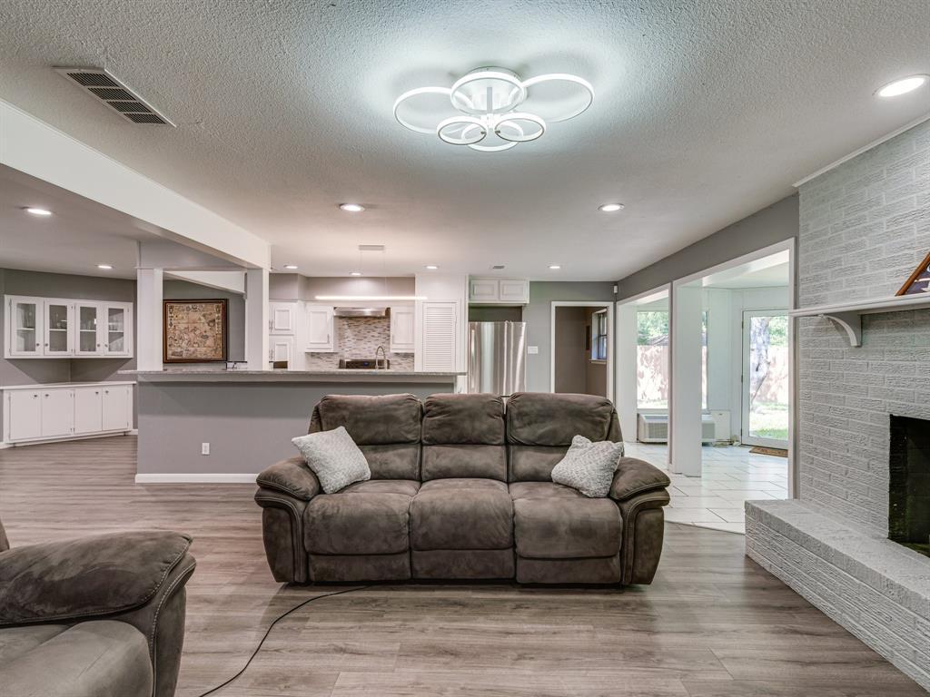 1719 Nueces  Trail, Arlington, Texas 76012 - acquisto real estate best luxury buyers agent in texas shana acquisto inheritance realtor