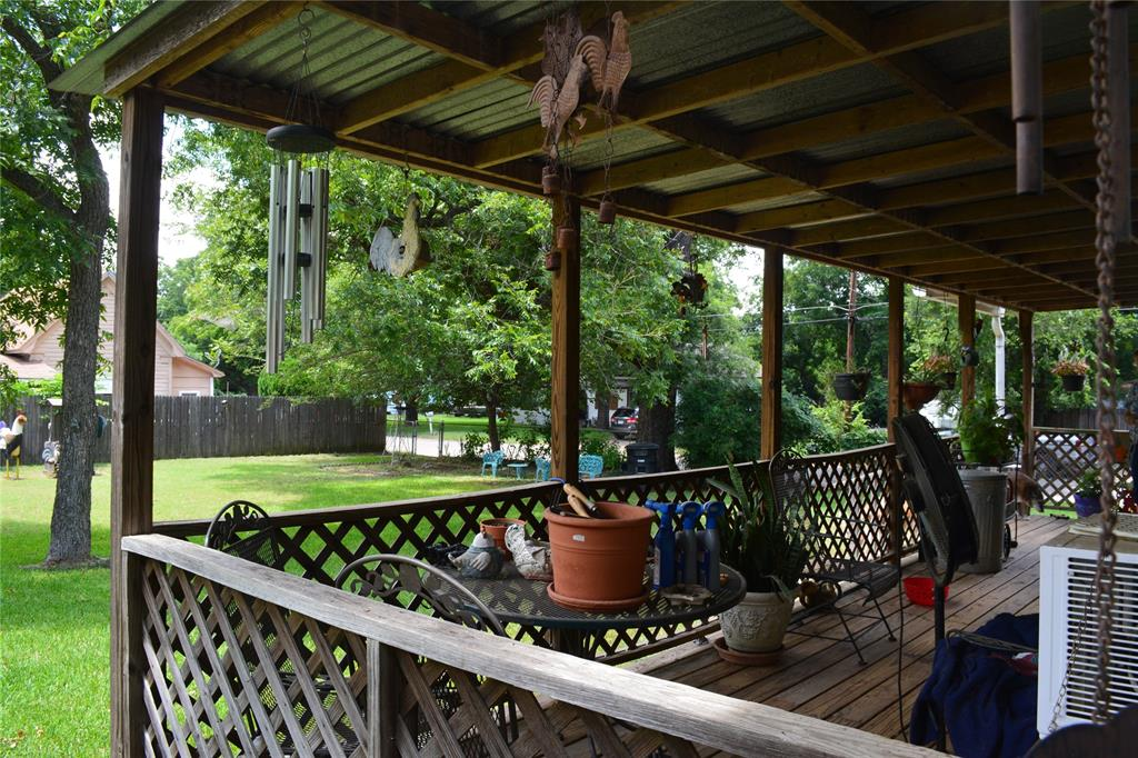 202 Washington  Street, Cleburne, Texas 76031 - acquisto real estate best real estate company to work for
